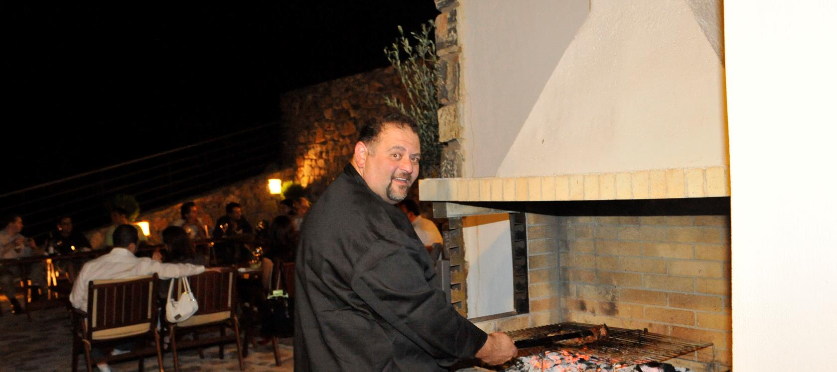 Traditional or International Chefs available on request (Paul Delicious Delios)