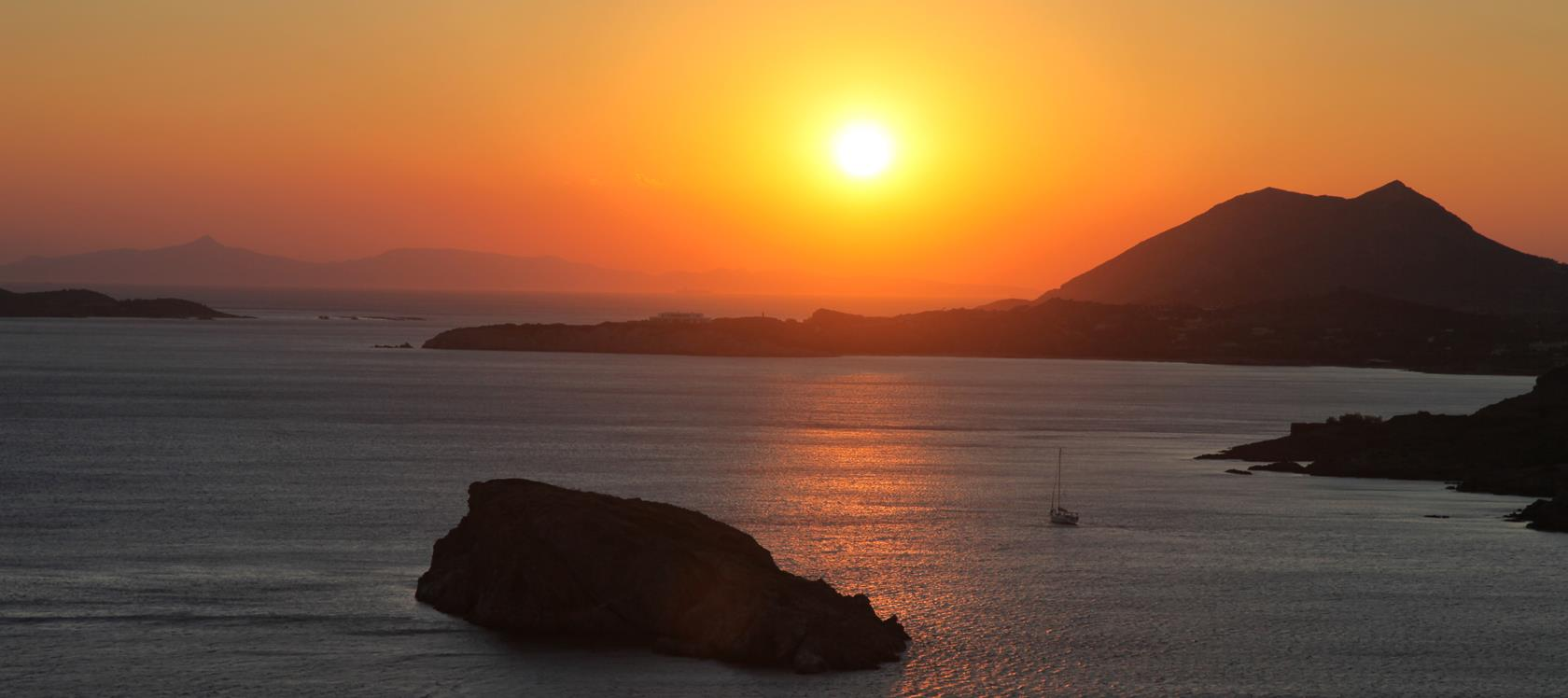 The famous sunset at Sounio